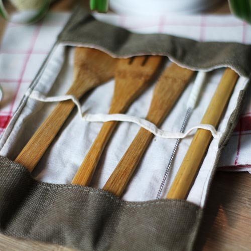 Couverts en bambou